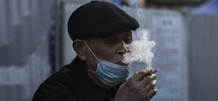 'Sigara içenler koronavirüse daha az yakalanıyor' raporunu yazanlar tütün endüstrisi ile bağlantılı çıktı