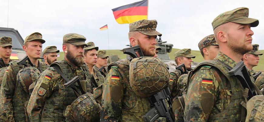 Alman ordusunda 'aşırı sağ' krizi büyüyor