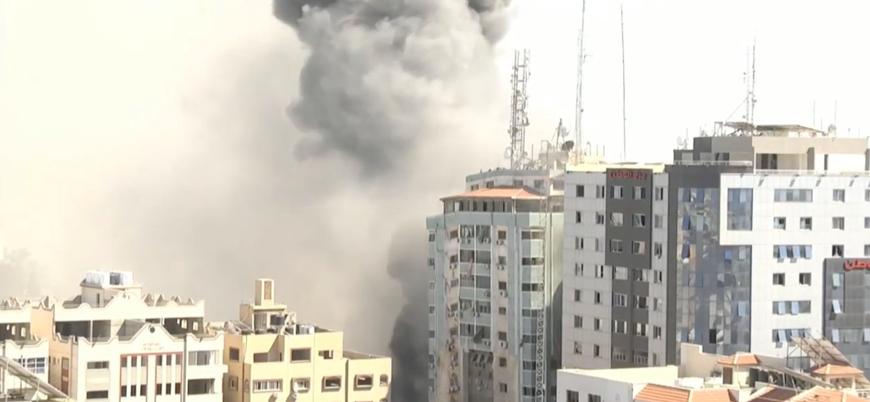 Gazze: İsrail savaş uçakları Al Jazeera'nın ofisini yerle bir etti