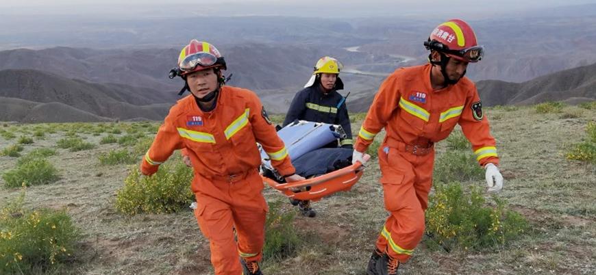 Çin'de 21 dağcı donarak öldü