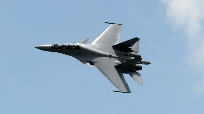 Çin jetleri bir ABD askeri uçağının 'yolunu kesti'