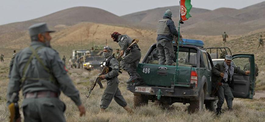 Afganistan: Taliban İran sınırında ilerliyor