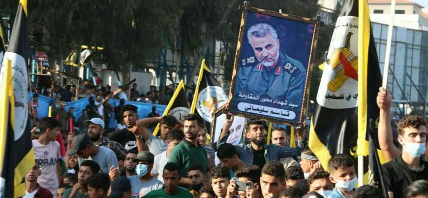 Gazze'deki zafer kutlamalarında Kasım Süleymani posterleri açıldı