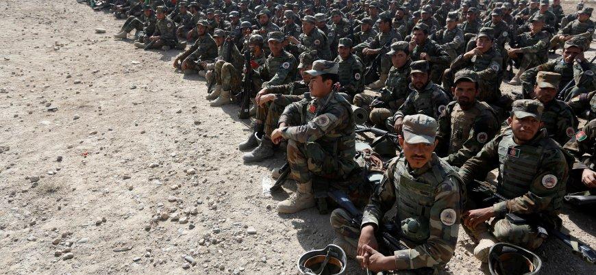 'Kuzey İttifakı'nda çözülme: Yüzlerce asker Taliban'a teslim oldu