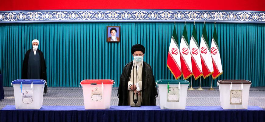 İran'da oy sandıklarını taşıyan helikopter düştü