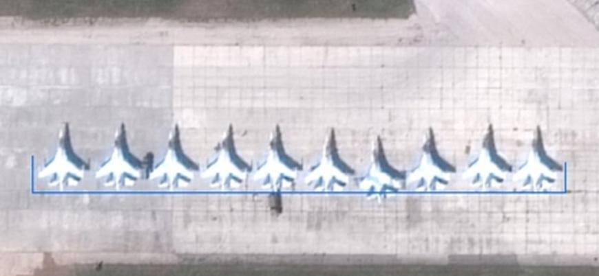 Rusya'nın Kırım'a konuşlandırdığı savaş uçakları ve helikopterleri görüntülendi
