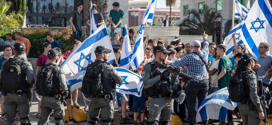 İsrail milletvekilleri Kudüs'te Filistinlilerin evlerine saldırdı