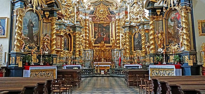 """""""Polonya Katolik Kilisesi'nde 300'den fazla çocuk istismara uğradı"""""""