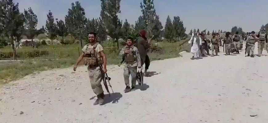 1500'den fazla Afgan asker Tacikistan'a kaçtı