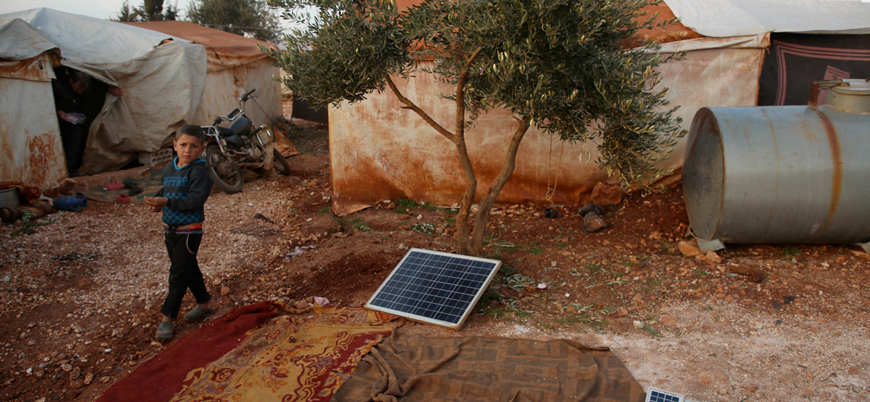 İdlib'deki çadır kentlerde patlayan aküler ölümlere neden oluyor