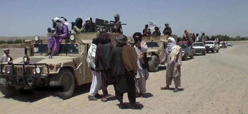 Taliban Afganistan'da bir il merkezini ele geçirdi