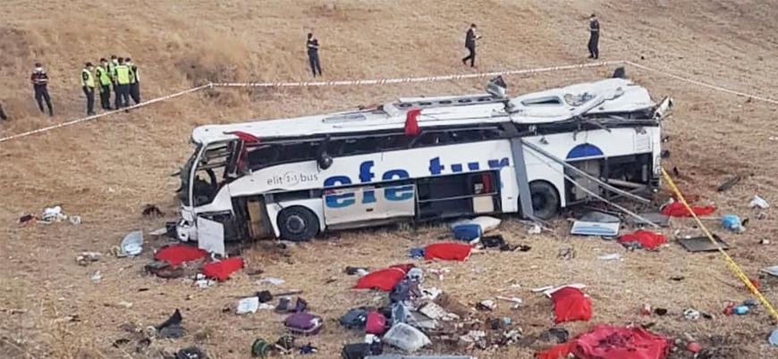 Balıkesir'de otobüs devrildi: 14 ölü 18 yaralı