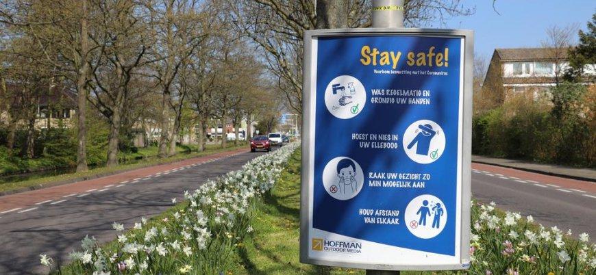 Koronavirüs: Hollanda sosyal mesafe dahil birçok kısıtlamayı kaldırıyor