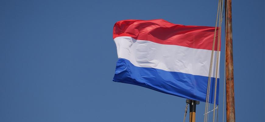 Hollanda'da Savunma Bakanı da Afganistan hezimeti sebebiyle istifa etti
