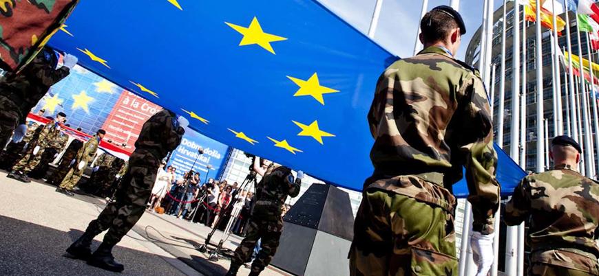 Fransa 'Avrupa ordusu' konusunda ısrarcı