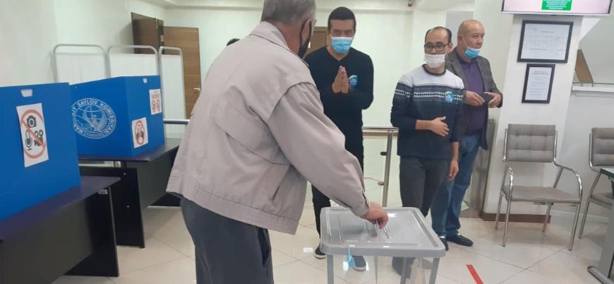 Özbekistan'da cumhurbaşkanlığı seçimleri başladı
