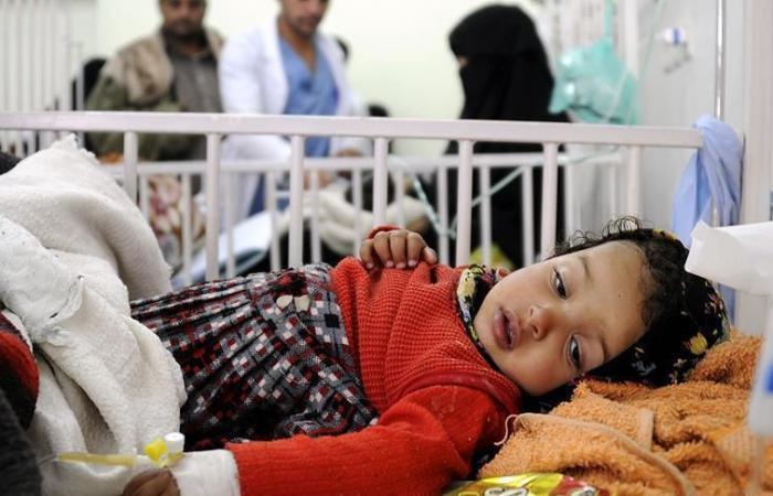 Kolera salgını Yemenli çocukları öldürüyor