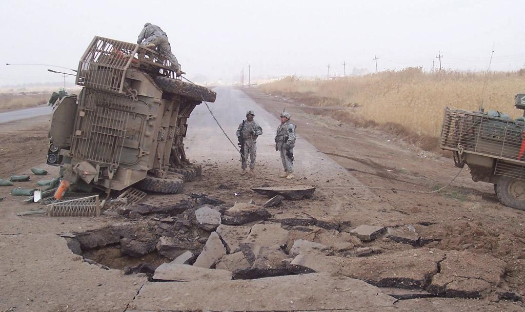 Taliban'dan ABD askeri aracına el yapımı patlayıcı saldırısı