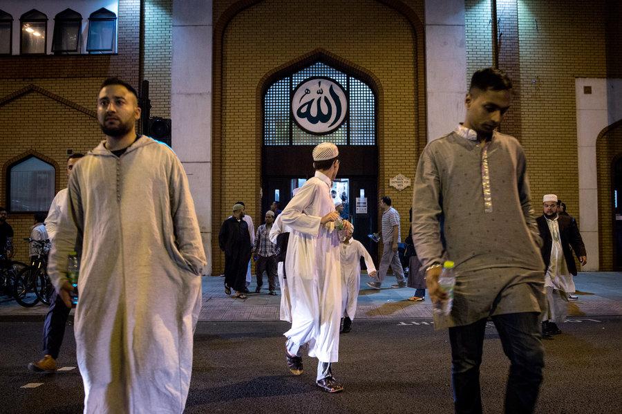 İngiltere'deki Müslüman toplum liderleri: Yaşadığı ülkeye sadık olmak her Müslümanın İslami görevidir