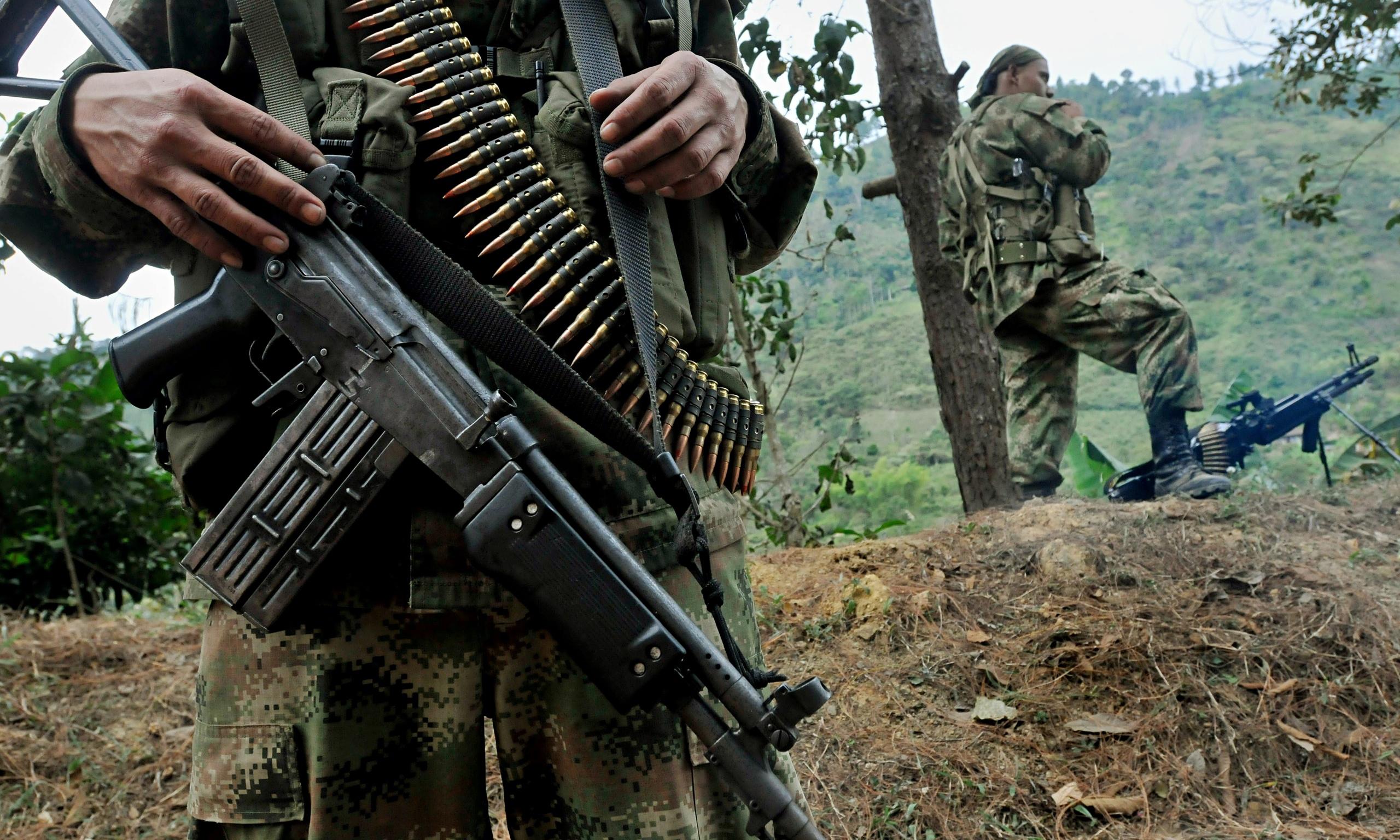FARC: Silahları teslim ettik artık şiddet kullanmayacağız