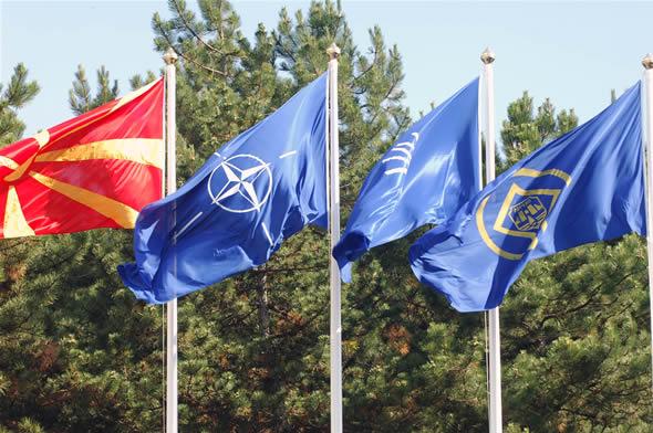 NATO, Makedonya'yı üye yapmayı hedefliyor