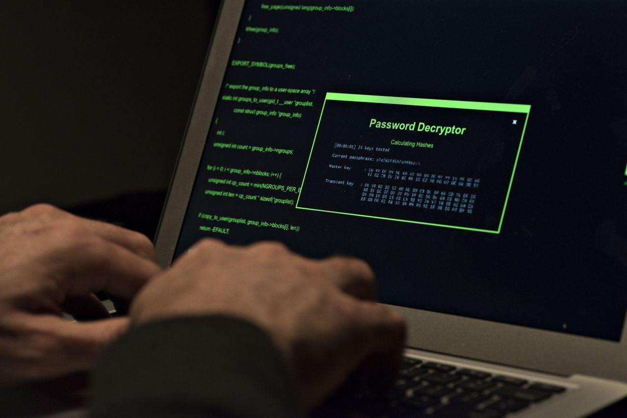 Moskova'yı siber alemin süper gücü yapan ordu: Rus hacker'lar