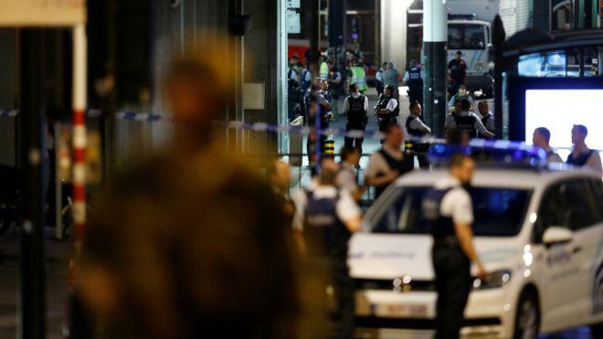 Avrupa'da terör korkusu artıyor: Şüpheli kişi vurularak öldürüldü