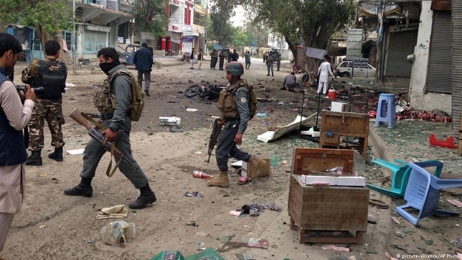 Taliban bu kez Hilmend'de saldırdı: Bombalı araç saldırısında 117 ölü ve yaralı