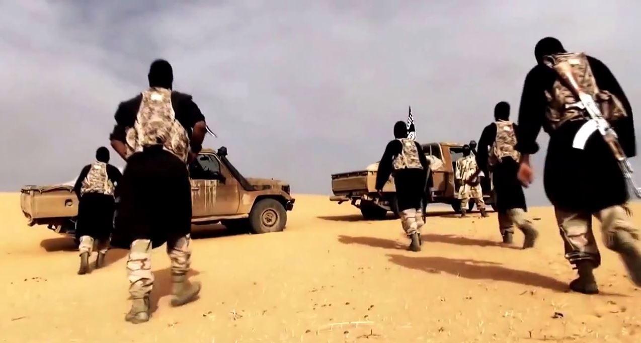 El Kaide'den rehine videosu: 'Eğer biz güvendeysek siz de güvende olursunuz'