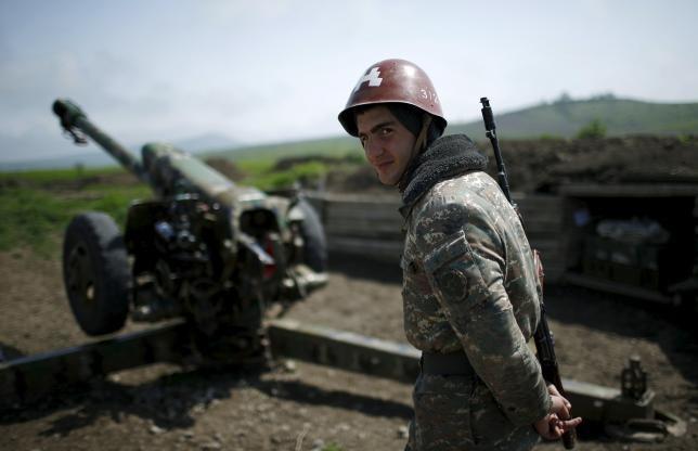Ermenistan Azeri köylerini bombaladı: Yaşamını yitiren siviller var