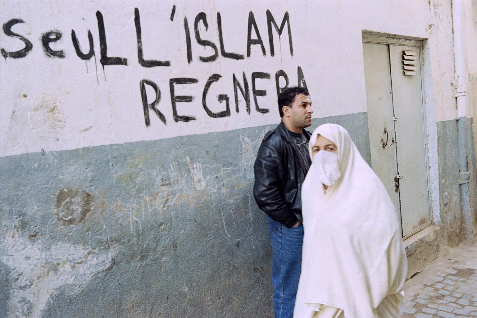 Cezayir'den yükselen bir ses: Yalnızca İslam hükmedecek!