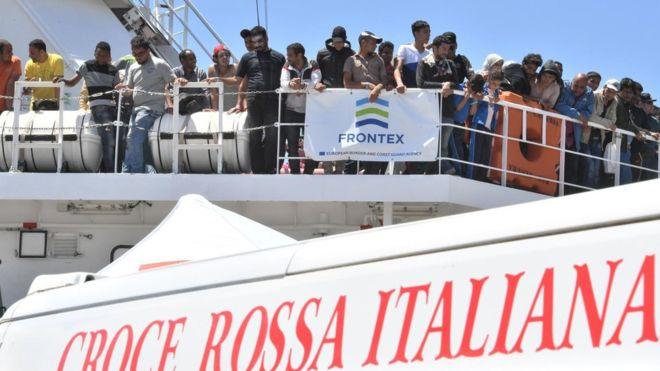 İtalya'nın AB'den 'intikam' planı: 200 bin göçmene vize verilecek