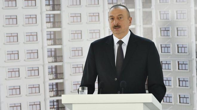 Aliyev 255 gazeteciye daire hediye etti