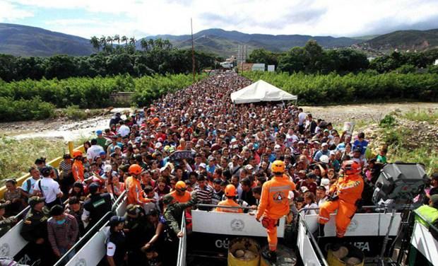 Venezuela'dan kaçış başladı: 'Can güvenliği kalmadı'