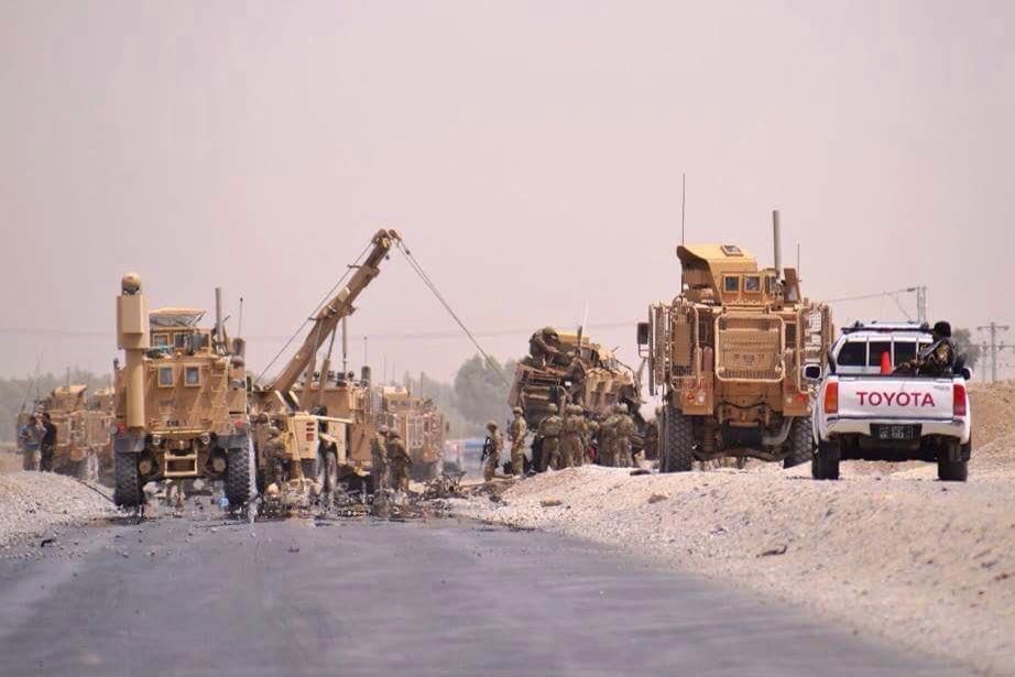 Afganistan'da NATO konvoyuna bombalı saldırı: 15 ölü