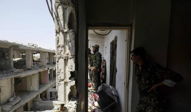 ABD bile isyan etti: Rakka'da YPG yağmasına müdahale