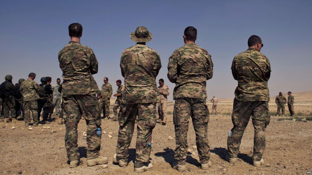 Lübnan'da ABD askerleri ve Hizbullah güçleri yan yana