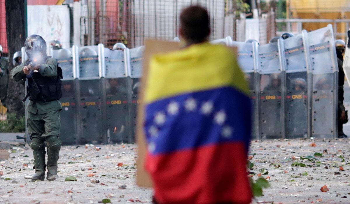 Hackerlar'dan Maduro rejimine karşı saldırı