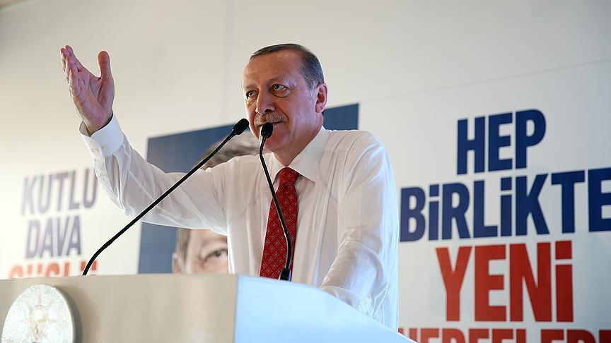 'Kendi çıkarını ülkenin çıkarından öne koyan AK Parti'de yönetici olamaz'