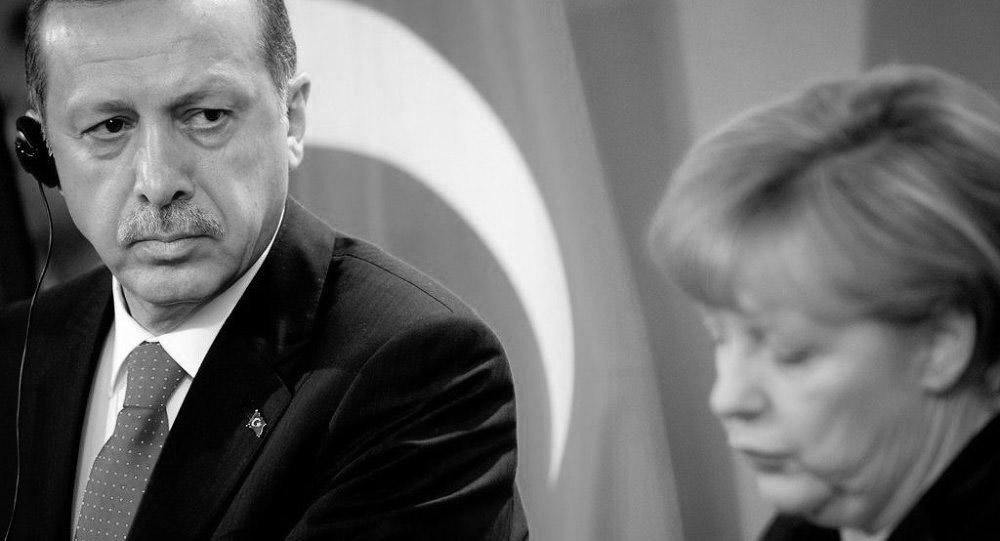 Merkel'den Erdoğan'a cevap: Hiçbir müdahaleye müsamaha göstermeyeceğiz