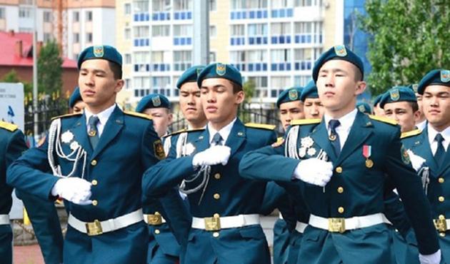 Özbekistan ve Kazakistan askeri işbirliği planı imzaladı