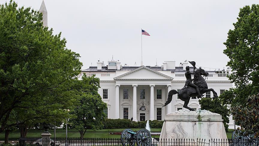 Beyaz Saray'ın aşırı sağ cephesinde çöküş
