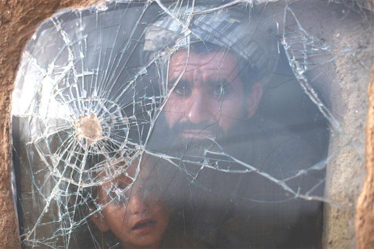 Taliban: İnsan hakları örgütleri masum Afganlar için neden sessiz?