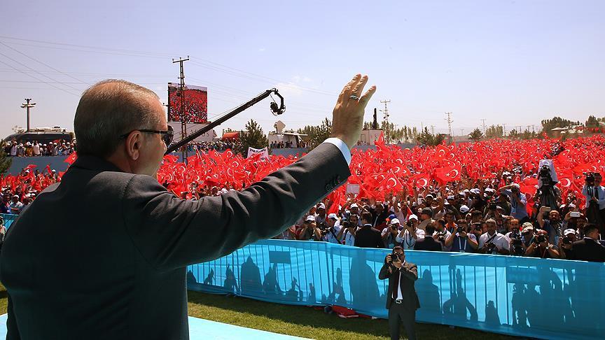 """""""Türkiye artık ayağa kalktı, bu şahlanışın önüne geçemeyeceksiniz"""""""