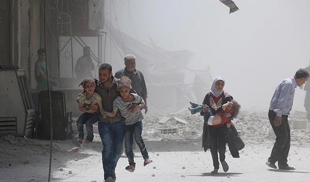 Esed 'çatışmasızlık bölgeleri' içerisindeki Humus'u vurdu: 1'i çocuk 2 kişi öldü