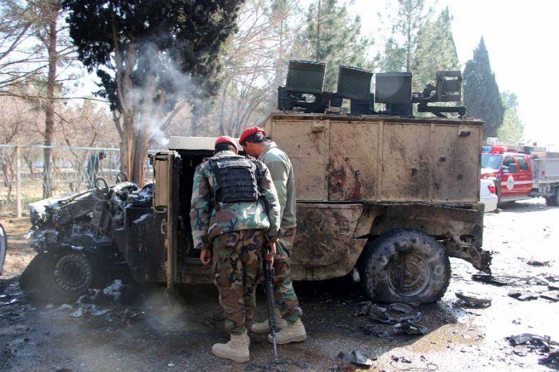 Taliban, ABD yanlısı hükümet konvoyunu vurdu: En az 50 ölü