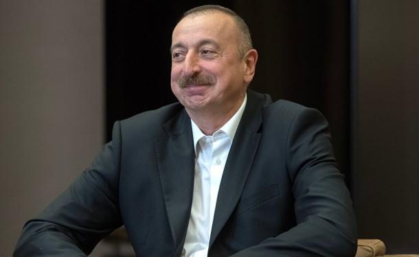 Azerbaycan 'kara para' iddialarını yalanladı: Suçlamalar gülünç