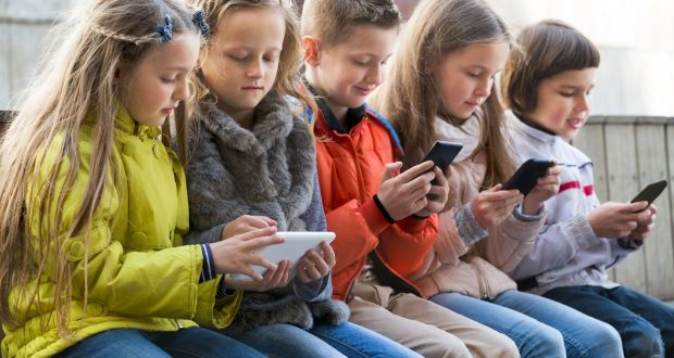 Çocuklar telefon bağımlılığından nasıl kurtulabilir?