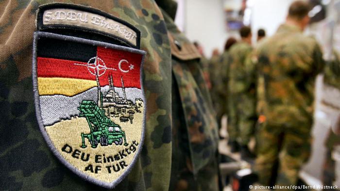 Türkiye'nin engellediği Alman vekiller NATO şemsiyesinde geldi