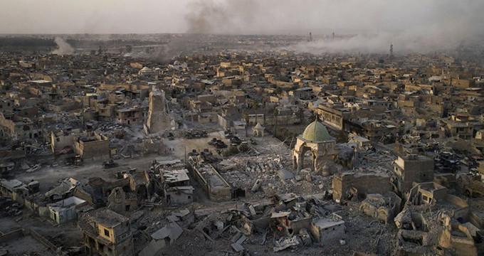 Musul'da enkaz altından en az 2 bin sivilin cesedi çıkarıldı